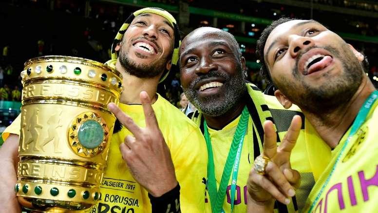 Pai de Aubameyang é apontado como um dos treinadores do Gabão