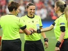 Klopp applauds performance of referee Stephanie Frappart. GOAL
