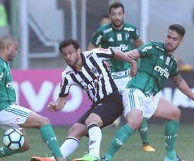 Empate a uma bola entre as duas equipes. Goal