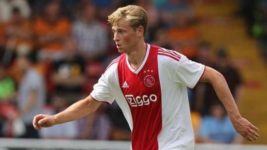 De Jong is keen to remain in Holland until the end of the season. GOAL
