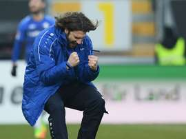 The Darmstadt manager celebrating. Goal