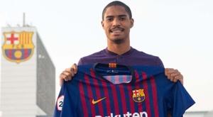 Gabriel Novaes foi apresentado no Barça B. Goal