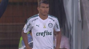 Verón estreia pelo Palmeiras, mas deixa torcedor 'só na vontade'