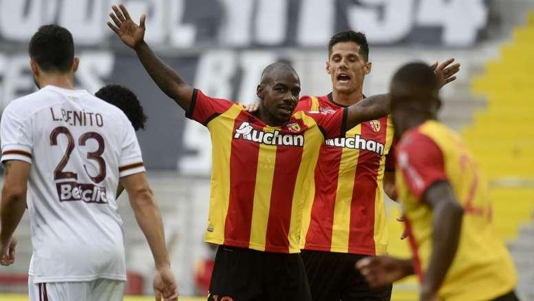 Lens – Saint-Etienne (2-0), les Lensois renouent avec la victoire face à des Verts à 9. afp