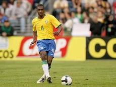 x-zagueiro da Seleção acredita que defesa brasileira trave a dupla Suárez e Cavani. Goal