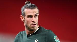 Michael Dawson encourage Gareth Bale. Goal