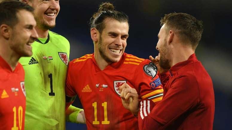 Bale celebrates Wales success