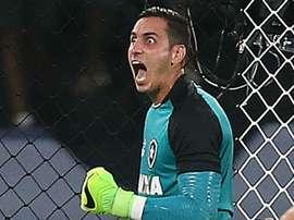 Gatito diz não ter recebido proposta do Napoli e revela vontade de seguir no Botafogo