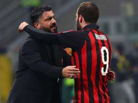 It's difficult to convince him – Gattuso suggests Higuain wants Chelsea move. Goal