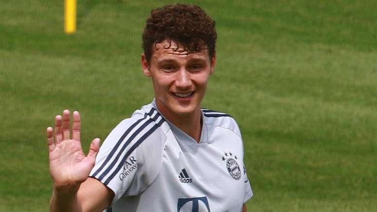 Pavard voit grand avec son équipe du Bayern. GOAL