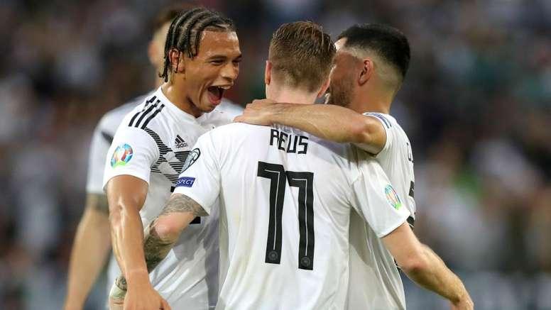 Germany destroyed Estonia. GOAL