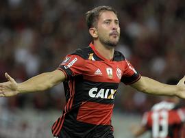 Everton Ribeiro. GOAL