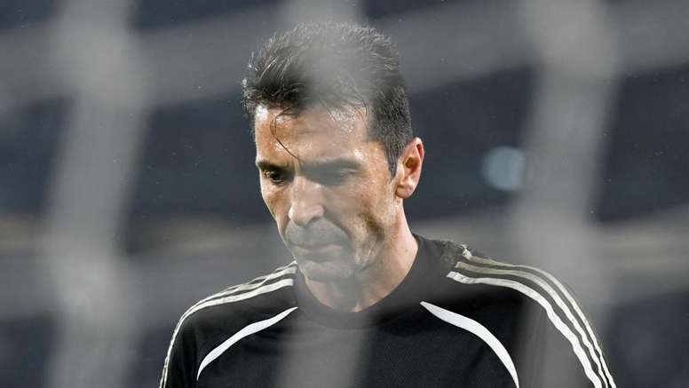Criticism of veteran goalkeeper Gianluigi Buffon irritates Juventus. GOAL