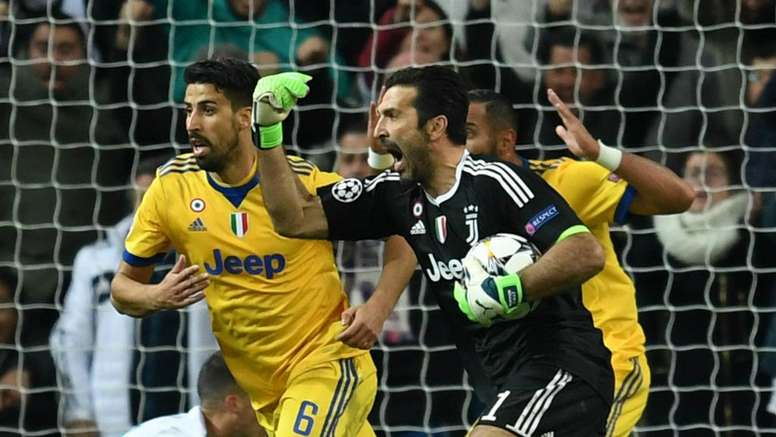 4baf6689fe8 Buffon sees first Champions League red card - BeSoccer