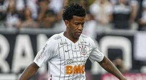 Corinthians sai satisfeito com empate contra o Flamengo; Gil é destaque