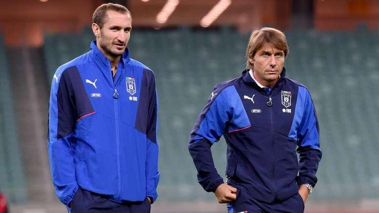 Chiellini accoglie Conte all'Inter. Goal