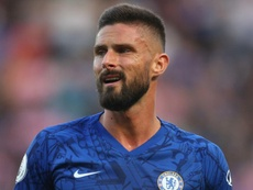 Giroud to consider Chelsea future. GOAL