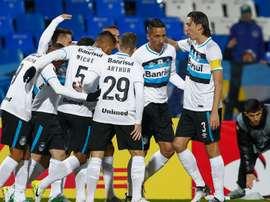 Jogadores do Grêmio comemoram vitória e vantagem contra o Godoy Cruz