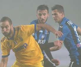 Higuaín apontou o único gol do jogo, no meio da neblina. GOAL