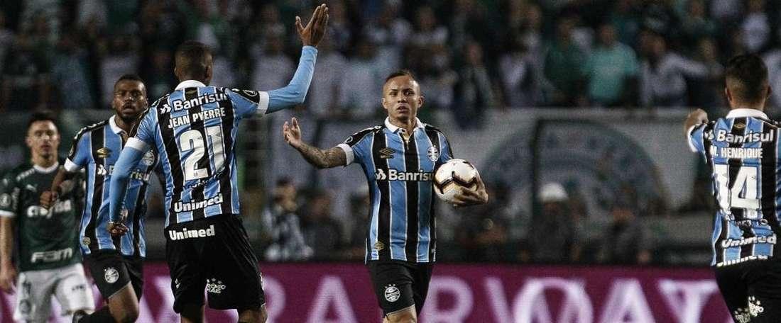 Visitors reach Copa Libertadores semis on away goals.