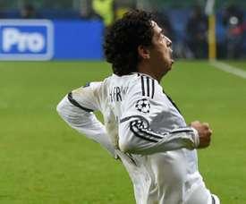 Guilherme celebrates his goal. Goal