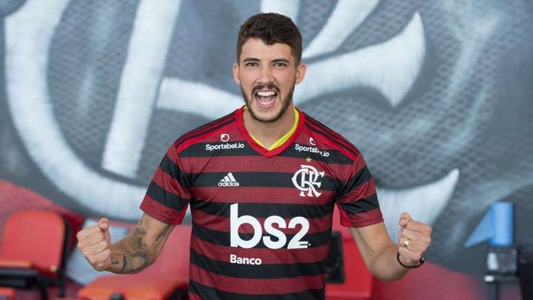 Gabigol ajudou Flamengo a contratar Gustavo Henrique antes de definir futuro. Goal