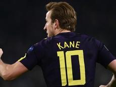 Kane supera Ronaldinho na UCL. Goal