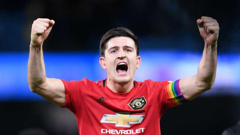 Harry Maguire replaces Ashley Young as Man Utd captain. GOAL