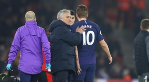 Mourinho waits for Kane injury news. GOAL