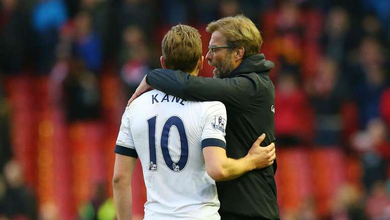 Klopp and Kane pictured in 2017. GOAL