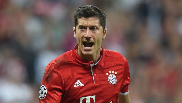 Robert Lewandowski wants to stay at his club. Goal