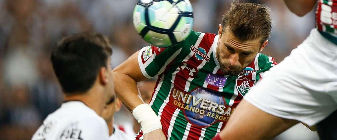 Henrique poderá vestir a camisa do 'Timão' em 2018. Goal