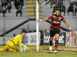 Ponte Preta 0 x 1 Flamengo: Dourado marca e Fla sai na frente da Macaca na Copa do Brasil