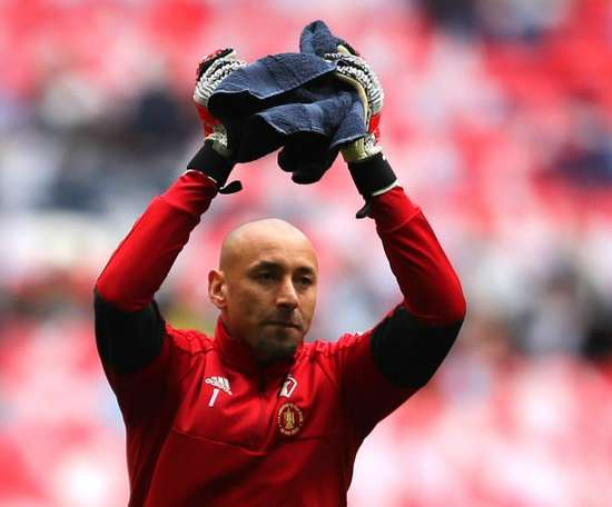 Gomes will now play one more season at Watford. GOAL