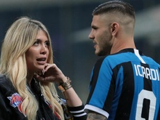 Icardi's agent hints at PSG move.