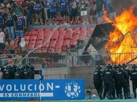Fogo no estádio e revolta com a política marcaram La U x Inter