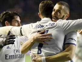 Isco, Benzema et Cristiano Ronaldo lors du match Osasuna - Real Madrid. GOAL