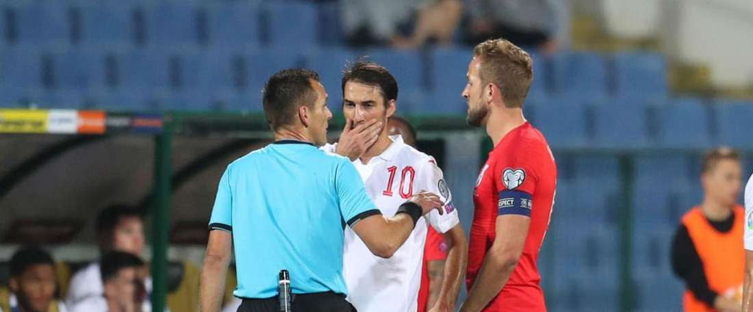 Popov is concerned foreign players will not play in Bulgaria if nothing is done. GOAL