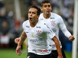Artilheiro e decisivo! Jadson participou de seis dos últimos oito gols do Corinthians. Goal