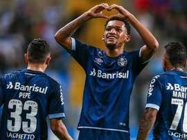 Grêmio 4x0 Vitória: Tricolor goleia e agora precisa secar o Internacional
