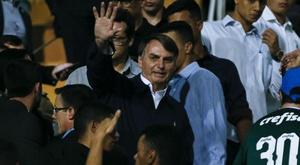Torcedor do Palmeiras xinga Bolsonaro no Pacaembu e precisa deixar arquibancada