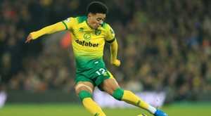 Lewis clinches rare Canaries win