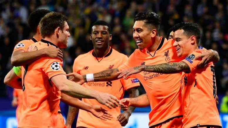 Jogadores 'reds' celebram após um dos (muitos) gols sobre o Maribor. Goal