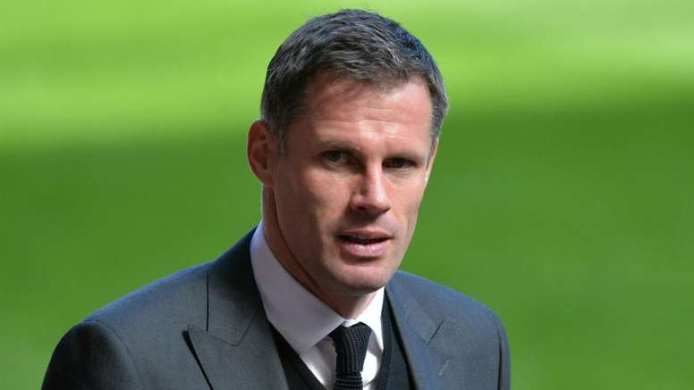 Carragher apologises to Evra
