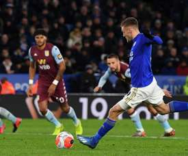 Vardy back with a brace in home win