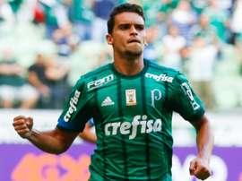 A lesão de Thiago Santos deixou uma aberta no maio-campo do 'Verdão'. Goal