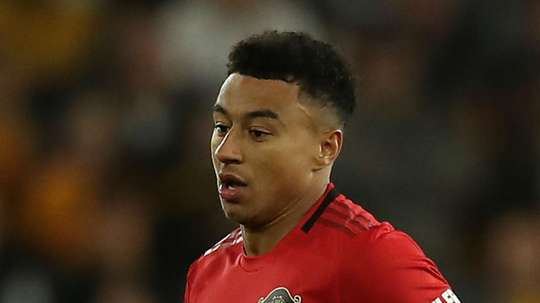 Solskjaer defends Lingard as poor form continues