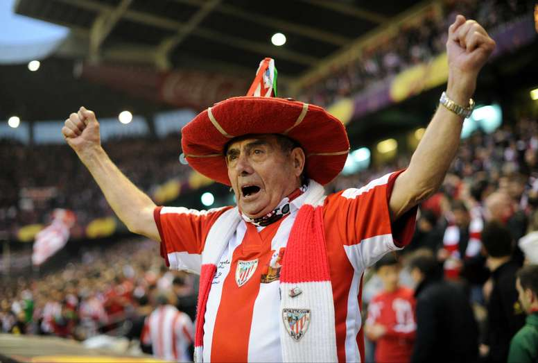 For 76 years Agirrezabala, the man they call la Txapela del Athletic, has been following his side.