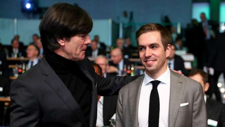 Lahm pense que Low doit changer son style de management. GOAL
