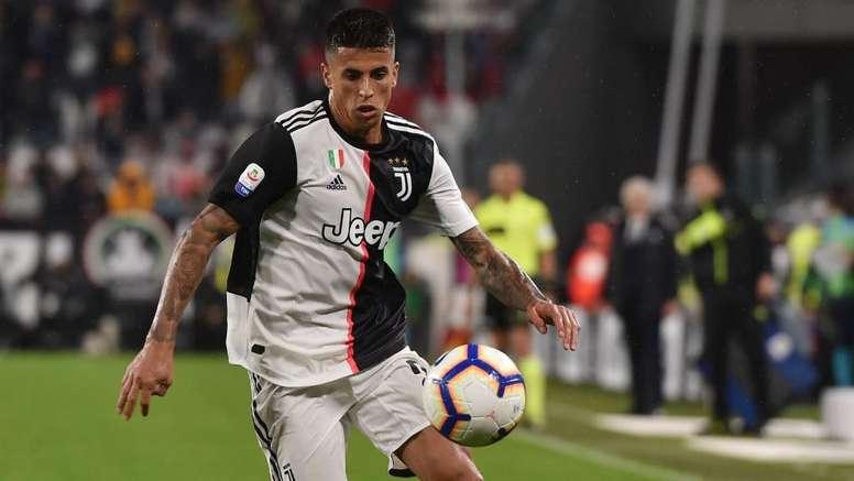 Juve-City, frenata su Cancelo: Alves può soffiargli il posto. GOAL